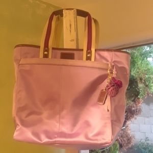 Like new nylon coach purse